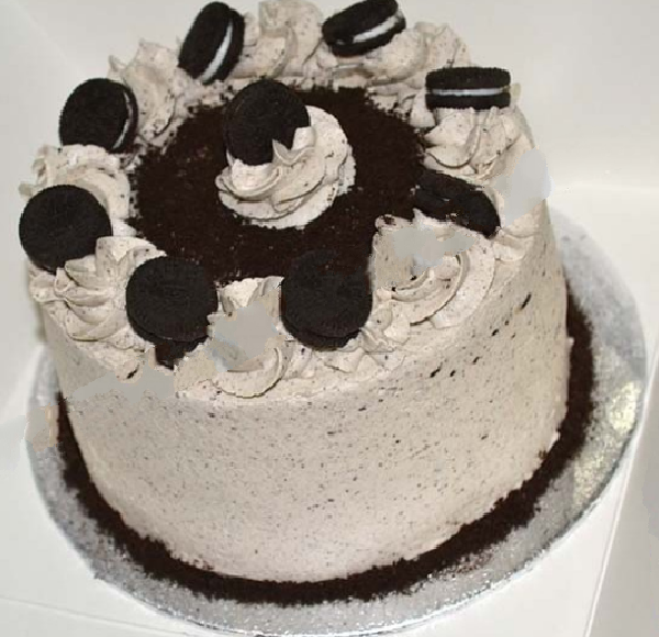 Chocolate cake with Oreo and Cream Cheese Frosting