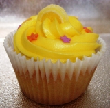 send halal cupcakes to uk from pakistan