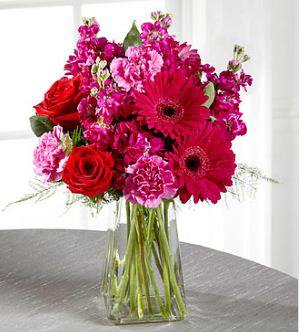 Send pure bliss bouquet to USA from Pakistan