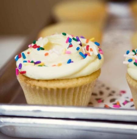 _vanilla-cupcakes