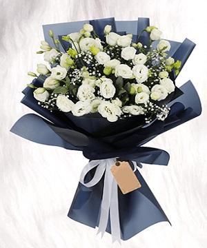 White Birthday Flowers Bouquet Wedding Anniversary To Dubai Abu Dhabi Sharjah Uae From Pakistan Cakes Flowers Chocolates Perfumes Birthday Anniversary Gifts Pakistan To Usa Uk Uae Canada Australia