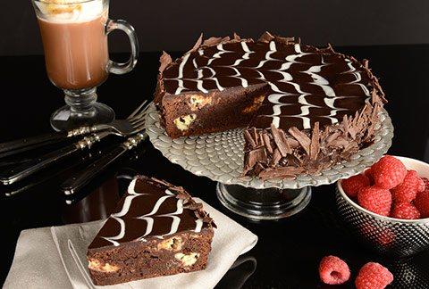 anniversary birthday celebration cake from Sadiqabad Bahawalpur Rahim yar Khan to Washington DC Florida Orlando Miami USA