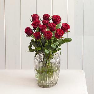 birthday-flowers-gifts-from-karachi-lahore-islamabad-to-uk-england-scotland-ireland