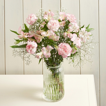 Blush Delight- Flowers-Birthday-Anniversary-Reliable-Online-Shipping-Site-for-from-Pakistan-to-London-Glasgow-Scotland-Liverpool-Leeds-UK