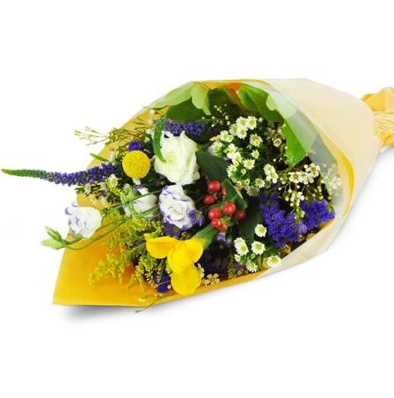 florists-choice-small-wrapped-bouquet-Flowers to Toronto, Mississauga, Ontario, Alberta, Calgary, Hamilton, Ottawa, Montreal, Winnipeg allover Canada from Karachi, Lahore, Islamabad Pakistan