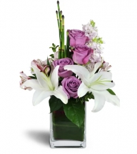 Lavender roses and smooth white lilies Flowers to Toronto, Missisauga, Ontario, Alberta, Calgary, Hamilton, Ottawa, Montreal, Winnipeg allover Canada from Karachi, Lahore, Islamabad Pakistan